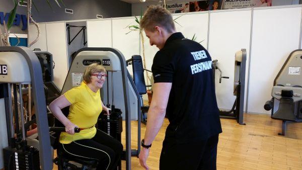 Wspólny trening razem z trenerem presonalnym